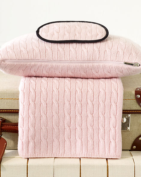 CABLED CASHMERE TRAVEL SET